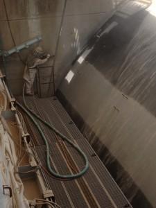 Sandblasting Spillway Gates
